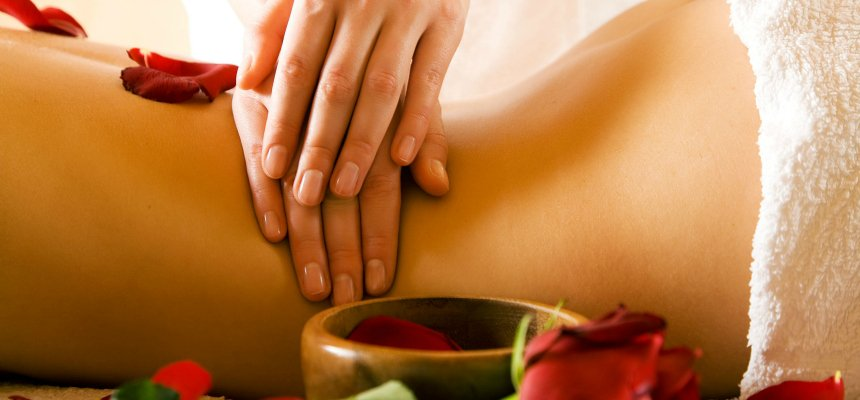 Massages to ease back pain