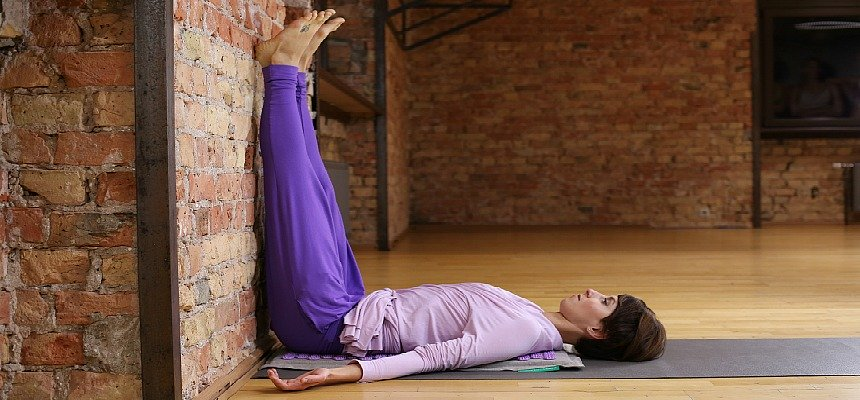 Four yoga poses to minimize back pain